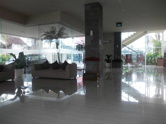 Quin Colombo Hotel Yogyakarta : LOBBY