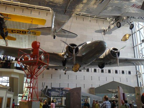 Museo Nacional del Aire y el Espacio: Aviões das mais diversas epocas