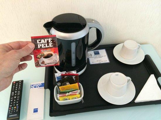 TRYP Sao Paulo Higienopolis Hotel: The in-room coffee is instant