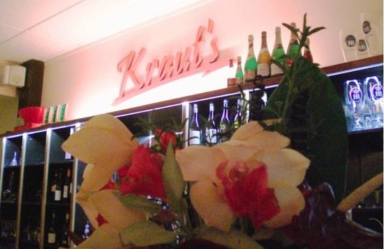 Kraut's Restaurant & Bar: Kraut's Cocktail Bar