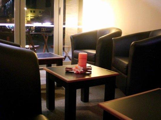 Kraut's Restaurant & Bar: Kraut's Lounge