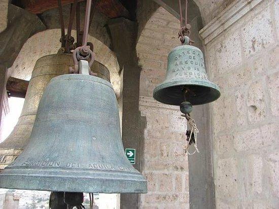 Museo de la Catedral de Arequipa: MAS FOTOS DEL CAMPANARIO