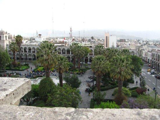 Museo de la Catedral de Arequipa: VISTA DE LA PLAZA DE ARMAS DESDE EL MIRADOR