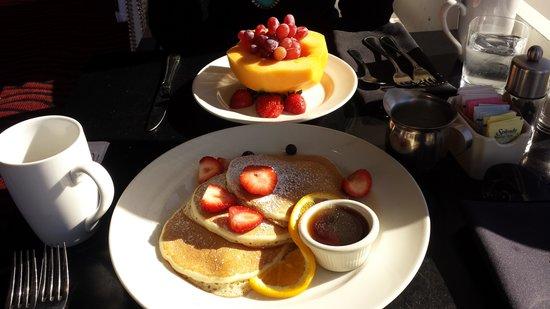 DoubleTree by Hilton Berkeley Marina : The best buttermilk pancakes!