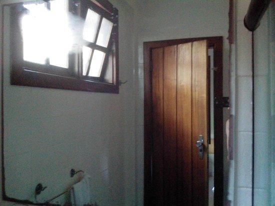 Porto Calem Praia Hotel: Janela que não abria e nem fechava