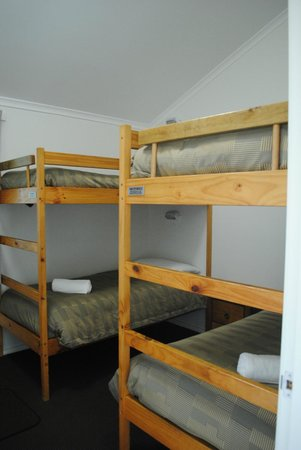 BIG4 Middleton Beach Holiday Park : Bunk beds in one of the bedrooms