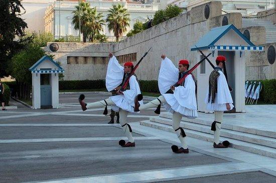Platia Syntagmatos: funny steps