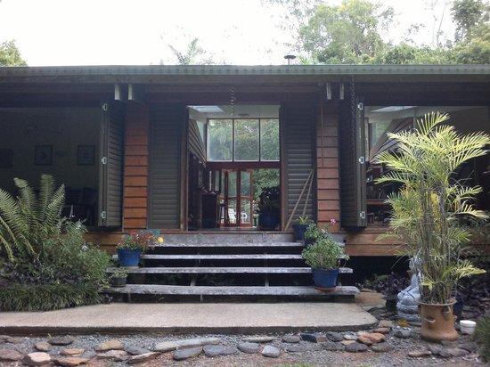 Cow Bay Homestay: Entrance