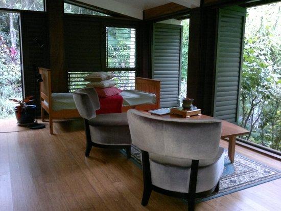 Cow Bay Homestay: Living Room