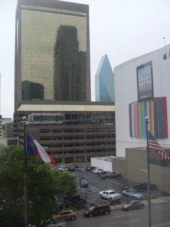 Dallas Marriott City Center: Vista do quarto