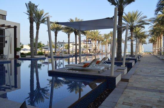 Park Hyatt Abu Dhabi Hotel & Villas: Poolside