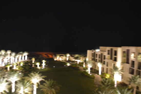 Park Hyatt Abu Dhabi Hotel & Villas: Night view toward beach
