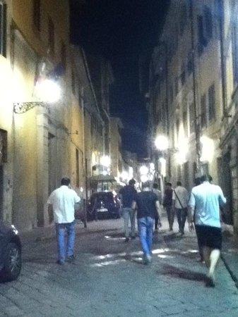 Hostel Archi Rossi: Perto da rodoviária (duas quadras) e de tudo...