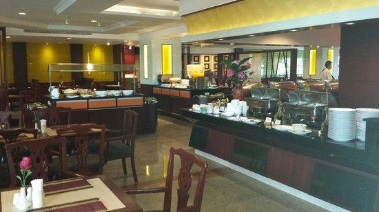 City Beach Resort: New restaurant, 2e floor.