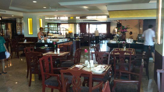 City Beach Resort: Restaurant 2e floor.