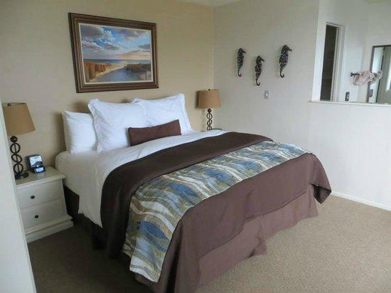 Lovers Point Inn : Bedroom