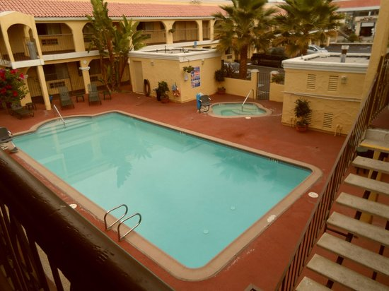 Econo Lodge Inn & Suites El Cajon San Diego East : pool