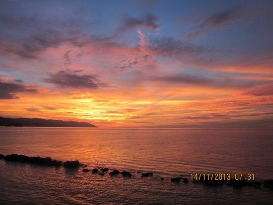 Costa Sur Resort & Spa: Costa Sur Sunset 2013