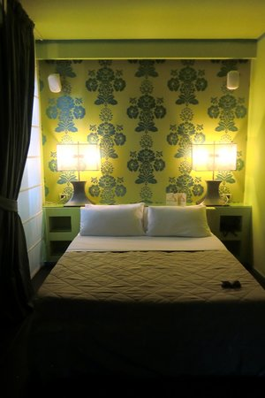 Roma Dreaming: Chartreuse room