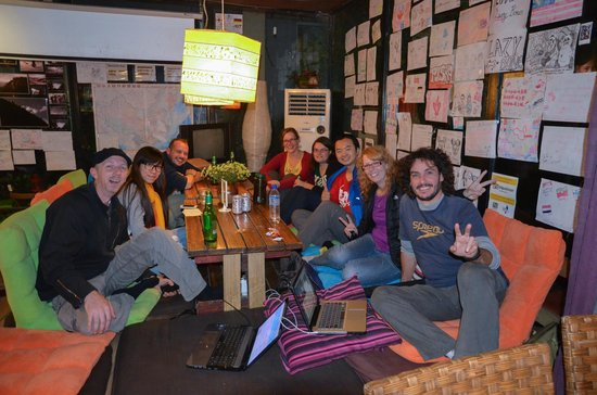Chengdu Lazy Bones Backpackers Boutique Hostel : central area for socializing