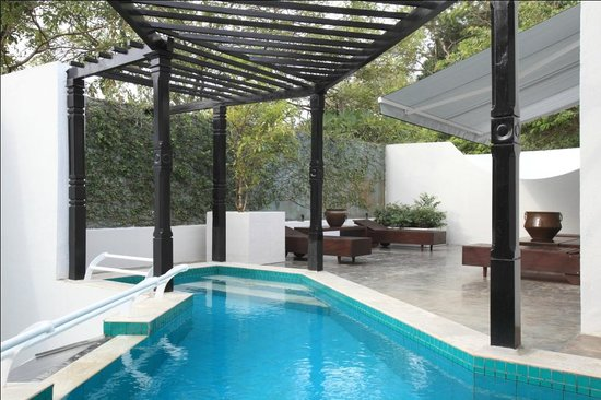 Colombo Hotel by Ceilao Villas: Rooftop pool