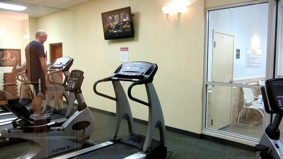Drury Inn & Suites Dayton North: Exercise room