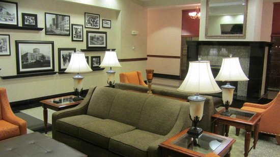 Drury Inn & Suites Dayton North: Hotels lobby