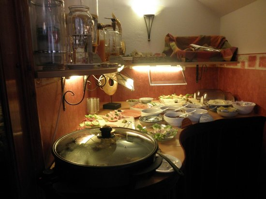 Hotel Garni Kreuzerhof: Breakfast Room
