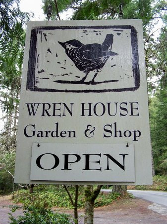 Wren House Garden & Shop: Easy to spot on the road