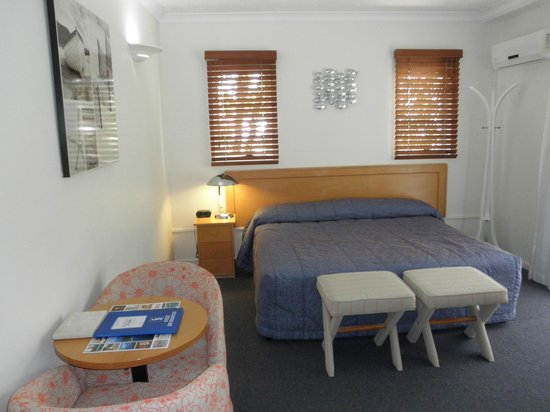 Twin Quays Noosa: Studio bedroom