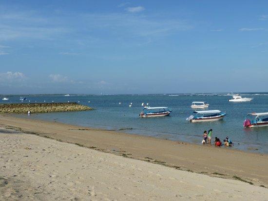 Club Bali Mirage: Tanjung Benoa beach from the hotel