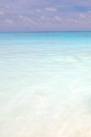 Ko Tachai Island: Beautiful blue sky  and turquoise sea....