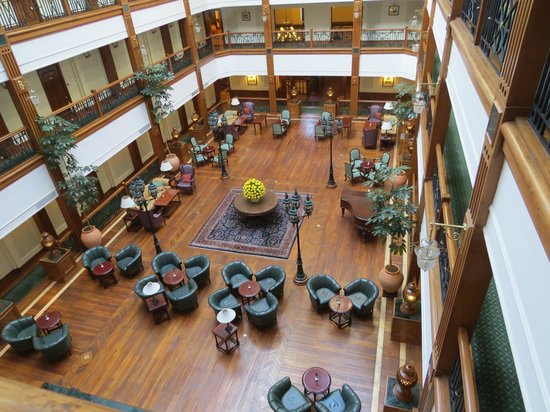 The Oberoi Cecil, Shimla : The lounge and bar