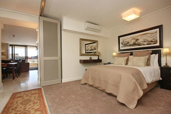 Canal Quays : Spacious bedrooms for ultimate comfort