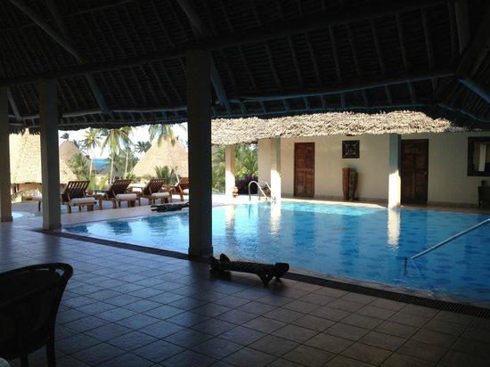 Neptune Pwani Beach Resort & Spa: pool in spa