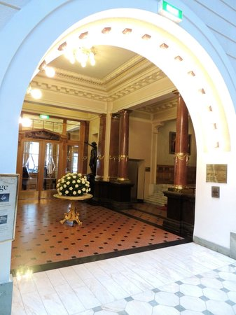 Belmond Grand Hotel Europe: lobby