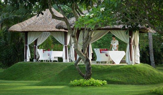 Discovery Kartika Plaza Hotel: La Cucina Private Gazebo