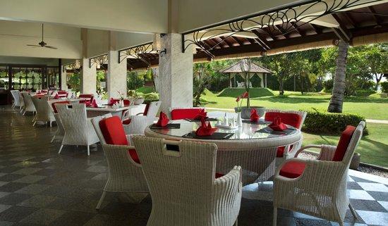 โรงแรมดิสคัฟเวอรี่ คาร์ติกา พลาซ่า: La Cucina Restaurant