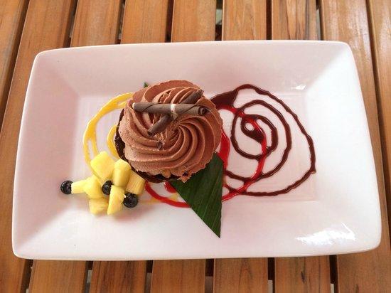 Tiki's Grill & Bar: Kona Coffee Dream Cake