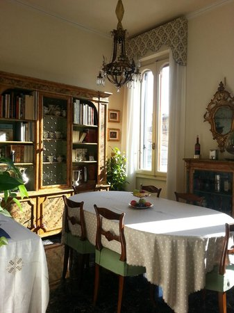 Il Diospero B&B: Dining Area