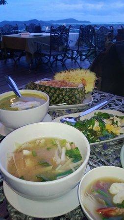 Khao Rang Hill View Point: Food at the top