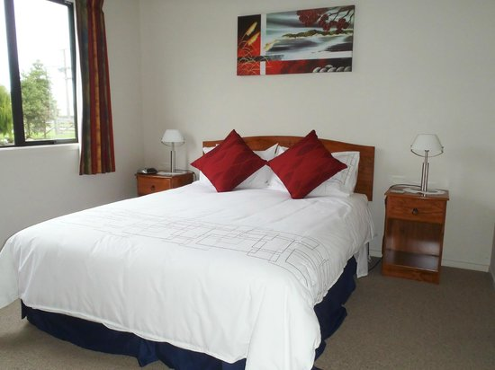 Ohau Highland Bed and Breakfast: Queen bed