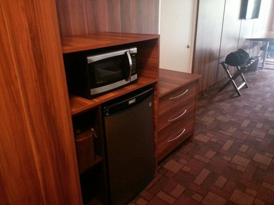 Royal Beach Palace : Microwave, fridge, and coffee maker