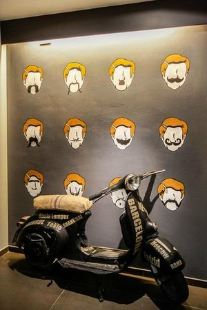 Don Moustache Hostel: Moustache Vespa