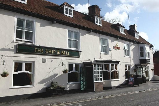 The Ship & Bell: Ship & Bell Hotel
