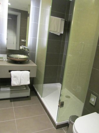 Hotel UNIC Prague: bathroom