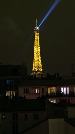 ibis Paris Tour Eiffel Cambronne 15eme: The Eiffel tower from room 656 :)