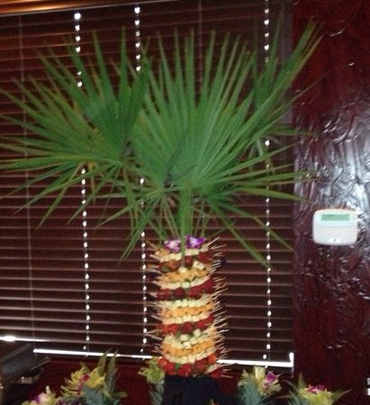 The Ranch Grill: Pineapple tree