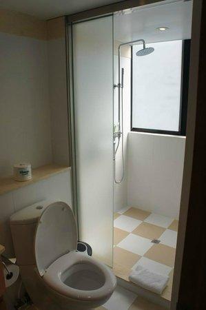 CHI Residences 314: Bathroom