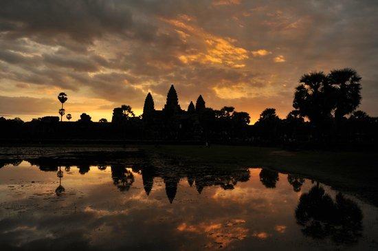 Van Siyoeun Villa: Lever de soleil sur Anglor Wat